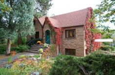 Historic home for rent in Boulder Colorado near the University of Colorado, CU Boulder. Housing Helpers 303.545.6000
