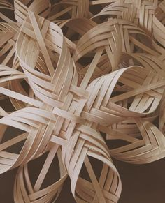 Create your own indoor decorative woven penna twill star. The instructions are eight pages in full color. Buy 3, Get 1 FREE  Buy three instant