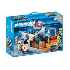 Byggeplads med 3 arbejdsomme figurer med trillebør, palleløfter, sækkevogn og materialer. Super Sets, City Life, Playmobil