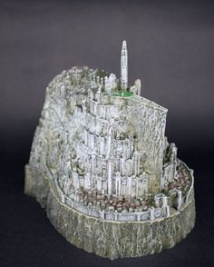 Lord of the Rings action toy figure The Hobbit action figures Minas Tirith model statue toys copper imitation novelty ashtray