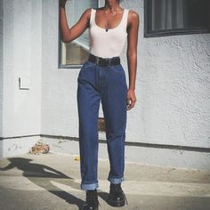 la mode mom jeans outfit Why Should You Get Married In Las Vegas? Retro Outfits, Jean Outfits, Trendy Outfits, Vintage Outfits, Cool Outfits, Summer Outfits, Outfits With Mom Jeans, Mom Jeans Outfit Summer, Vintage Dress
