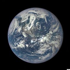햇빛이 비치는 부분의 지구 사진이 사상 처음으로 공개되다(사진)