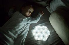 les 25 meilleures id es de la cat gorie lampe connectee sur pinterest objets connect s objet. Black Bedroom Furniture Sets. Home Design Ideas
