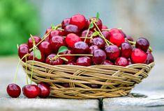 How To Grow Cherries, Sweet Cherries, Cherry Leaf, Cherry Tart, Growing Cherry Trees, Cherry Topping, Cucumber Trellis, Red Fruit, Cherry Fruit