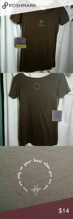 """NWT!  Be Defined Organic Cotton Tee Shirt 100% organic cotton T-shirt!   Color:. Chocolate brown  This is a form- fitting medium! Measurements: Approx 16""""W (pit-to-pit)                 Approx 25""""L (shoulder to hem) Material: 100% organic cotton (wash cold) Be Defined Tops Tees - Short Sleeve"""