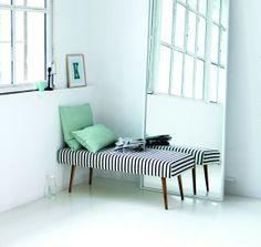 Ob Linien, Streifen oder Blümchen: schwarz-weiße Muster sind in diesem Jahr in der Wohnung angesagt. #homestory #home #blackandwhite #trends #interior #furniture #accessoires