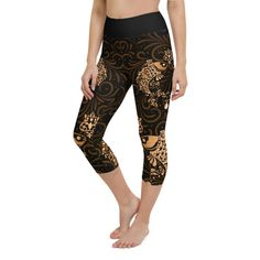 Workout with comfort and Show-off your Zodiac Sign in Pisces with these high-quality capri. This design is made to complement any body types. Show off that bum, be a head-turner, and workout in confidence. Crotch Area, Zodiac Capricorn, Workout Leggings, Body Types, Squats, Zodiac Signs, How Are You Feeling, Confidence, Bending