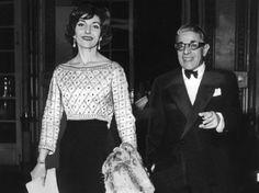 Ein schillerndes Liebespaar, das auf vielen Bällen auftritt: der millionenschwere Aristoteles Onassis und Maria Callas.