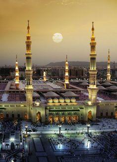The Prophet's Mosque in al-Madinah, Saudi Arabia  #MaShaAllah #PeaceBeUponHIm #Rasulullah