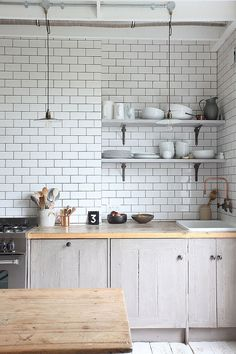 White modern kitchen tiles modern tile medium size of kitchen tiles white modern kitchen wall tiles All White Kitchen, New Kitchen, Kitchen Dining, Kitchen Cabinets, Gray Cabinets, Kitchen Brick, Kitchen Backsplash, Backsplash Ideas, Stylish Kitchen