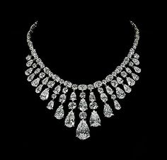 White pear-shaped diamond necklace  by David Morris