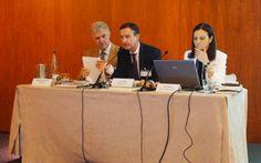 Eugenio de Miguel, Luis Mena y Pilar Budi en la Asamblea de AFEC