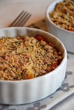 Pumpkin crumble with pumpkin seeds - Crumble de potimarron et légumes d'automne aux graines de courge http://www/lesrecettesdejuliette.fr