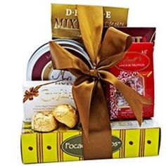Gourmet Selection This Gourmet Selection gift assortment is a perfect encouragement or congratulations gift for someone you care about. Valentines Flowers, Mothers Day Flowers, Online Florist, Congratulations Gift, Grocery Items, Flowers Delivered, Cheese Spread, Mom Birthday Gift, Birthday Balloons