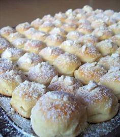 Obrázek z Recept - Mini koláčky - nekynuté a na jazýčku se rozplývající Baking Recipes, Cookie Recipes, Czech Desserts, Honey Cookies, Czech Recipes, Healthy Diet Recipes, Desert Recipes, Quick Easy Meals, Sweet Recipes