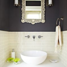 Powder Room--- nice and clean