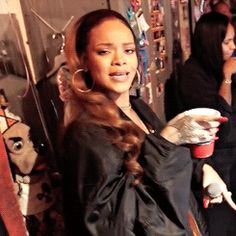 Uploaded by ʙᴀᴍʙɪ. Find images and videos about gif, rihanna and bbhmm on We Heart It - the app to get lost in what you love. Rihanna Et Drake, Mode Rihanna, Rihanna Riri, Rihanna Style, Rihanna Meme, Rihanna Video, Image Pinterest, Real Life Baby Dolls, Bad Gal