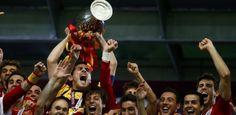 REUTERS/Kai Pfaffenbach = 01/07/2012 - 17h37  Espanha volta a encantar, goleia a Itália e conquista bicampeonato inédito na Euro