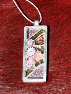 pink oblong mosaic pendanat