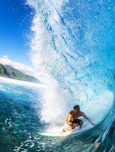 Amazing surfing photography  #surfing http://www.blueprinteyewear.com/