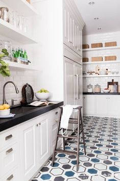 Beautiful, fully equipped butler pantry just off from the kitchen Designed by Alice Lane