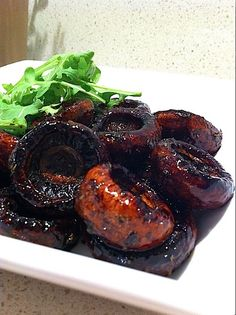 "Roasted Balsamic Mushrooms Recipe - pinner commented: ""I made these with the turkey tenderloin as a side and they were AMAZING! Side Dish Recipes, Vegetable Recipes, Vegetarian Recipes, Cooking Recipes, Healthy Recipes, Vegetarian Dish, Protein Recipes, Mushroom Dish, Mushroom Recipes"