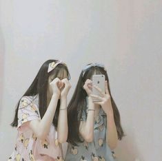 Image about girl in ulzzang by  on We Heart It Ulzzang Korean Girl, Cute Korean Girl, Ulzzang Couple, Asian Girl, Best Friend Photos, Best Friend Goals, Tumblr Korea, Bff, Bestfriends