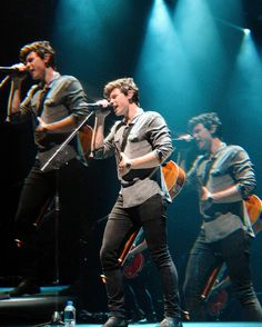"2,172 curtidas, 4 comentários - Shawn Mendes Updates (@shawnmendesupdates1) no Instagram: ""November 25: Shawn performing at @sparkarena in Auckland, New Zealand #illuminatetourauckland…"""