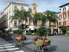 downtown Sorrento, I can see the little Pizzeria we ate in... :-)