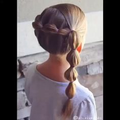 Bubble braid into a side bubble braid on big sis! Girls Hairdos, Lil Girl Hairstyles, Princess Hairstyles, Pretty Hairstyles, Braided Hairstyles, Toddler Hair, Hair Hacks, Hair Inspiration, Hair Makeup