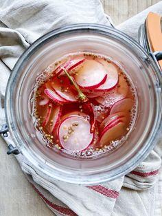 pink pickled radishes – Mama eats plants