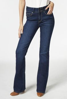 Get your groove back with this flared jean. A high-waisted design with a hint of flare, itÍs the perfect jean to fully embrace that 70s retro trend.  l  JustFab