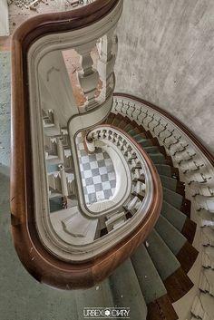 Abandoned Villa DK   by Urbex Diary