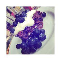 Happy sunday! 💙 #sundays#breakfast#blueberry#muffin#healthy#shit#tb#yummy#protein#happy#Hamburg#040#food#love#foodporn#foodphotography#potd  Yummery - best recipes. Follow Us! #foodporn