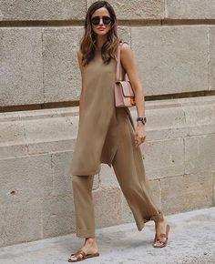 Summer Fashion Tips .Summer Fashion Tips Mode Outfits, Casual Outfits, Fashion Outfits, Fashion Tips, Fashion Trends, Fashion Hacks, Color Fashion, 70s Fashion, Grunge Fashion