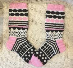 Marimekko, Knitting Socks, Diy, Fashion, Knit Socks, Moda, Bricolage, Fashion Styles, Do It Yourself