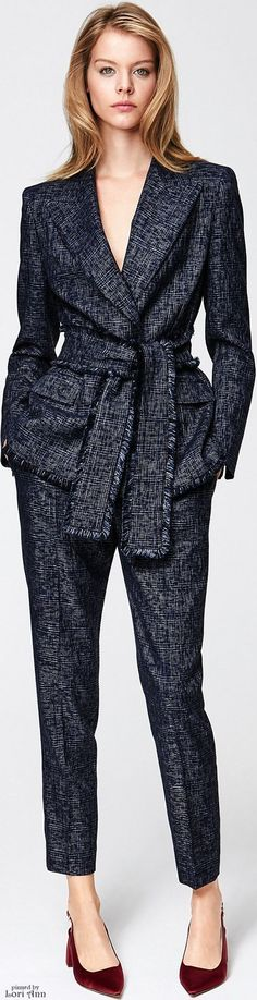 Escada Pre-Fall 2016 women fashion outfit Diller-yourself Stil- und Imageberatung News Fashion, Work Fashion, Trendy Fashion, Plus Size Fashion, Vintage Fashion, Fashion Outfits, Womens Fashion, Fashion Trends, Business Outfit Frau