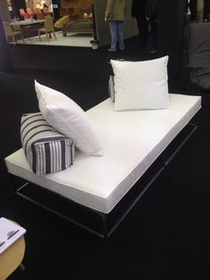 Sofa bed. Called Ontas in Greek. From philoksenia in thessaloniki.