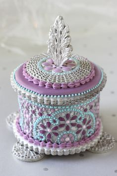 Julia M Usher, Recipes for a Sweet Life, 3-D Enamel filigree cookie box, 3-D cookie box, SugarVeil