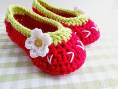 hopscotch lane: Strawberry Slippers