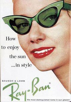 Cat eye sunglasses by Ray Ban. glasses, retro, vintage, pin-up Retro Vintage, Photo Vintage, Looks Vintage, Mode Vintage, Vintage Love, Vintage Style, Vintage Green, Vintage Shoes, Glamour Vintage