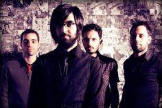 """O grupo conta com dois álbuns e um EP lançados, vídeo no YouTube com mais de 65 mil views, e recentemente se integrou na trilha sonora do seriado """"Os Buchas"""", do canal Multishow."""