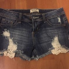 6f3ddfa7d4604 ZCO Jeans Premium - Size 5 Distressed Jean Shorts  fashion  clothing  shoes