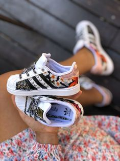 Mom & Baby Collection by Muffinshop Adidas Samba, Adidas Superstar, Mom And Baby, Adidas Sneakers, Hair, Outfits, Collection, Shoes, Black