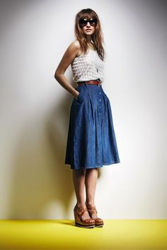 ❤denim, cinched waist, brown leather accents, denim a-line skirt