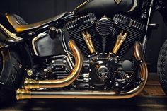 Кастом Rough Crafts Crowned Stallion на базе Harley-Davidson Softail Slim - фото 2