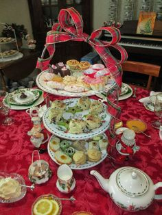 Christmas Afternoon Tea is a long-standing Jennings Family and Friends tradition. Readers of this blog remember in 2009 when we bu...
