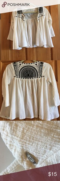Rip curl shirt great details Rip Curl shirt with awesome embroidery xs wore once Rip Curl Tops Blouses