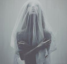 Lost in a Kingdom by Leslie Ann O'Dell, via Behance #veil #portrait #woman