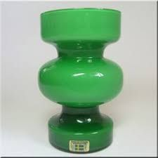 Lindshammar Swedish green 'hooped' glass vase with internal white casing, labelled. Kosta Boda, Dinner Sets, Scandinavian, Glass Vase, Tea Cups, Pottery, Ceramics, Sweden, Vases
